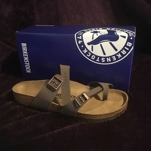Birkenstock Mayari (Brown)